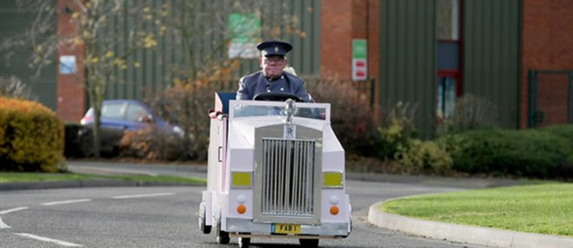 Pensioner turns mobility scooter into Thunderbirds' Rolls-Royce