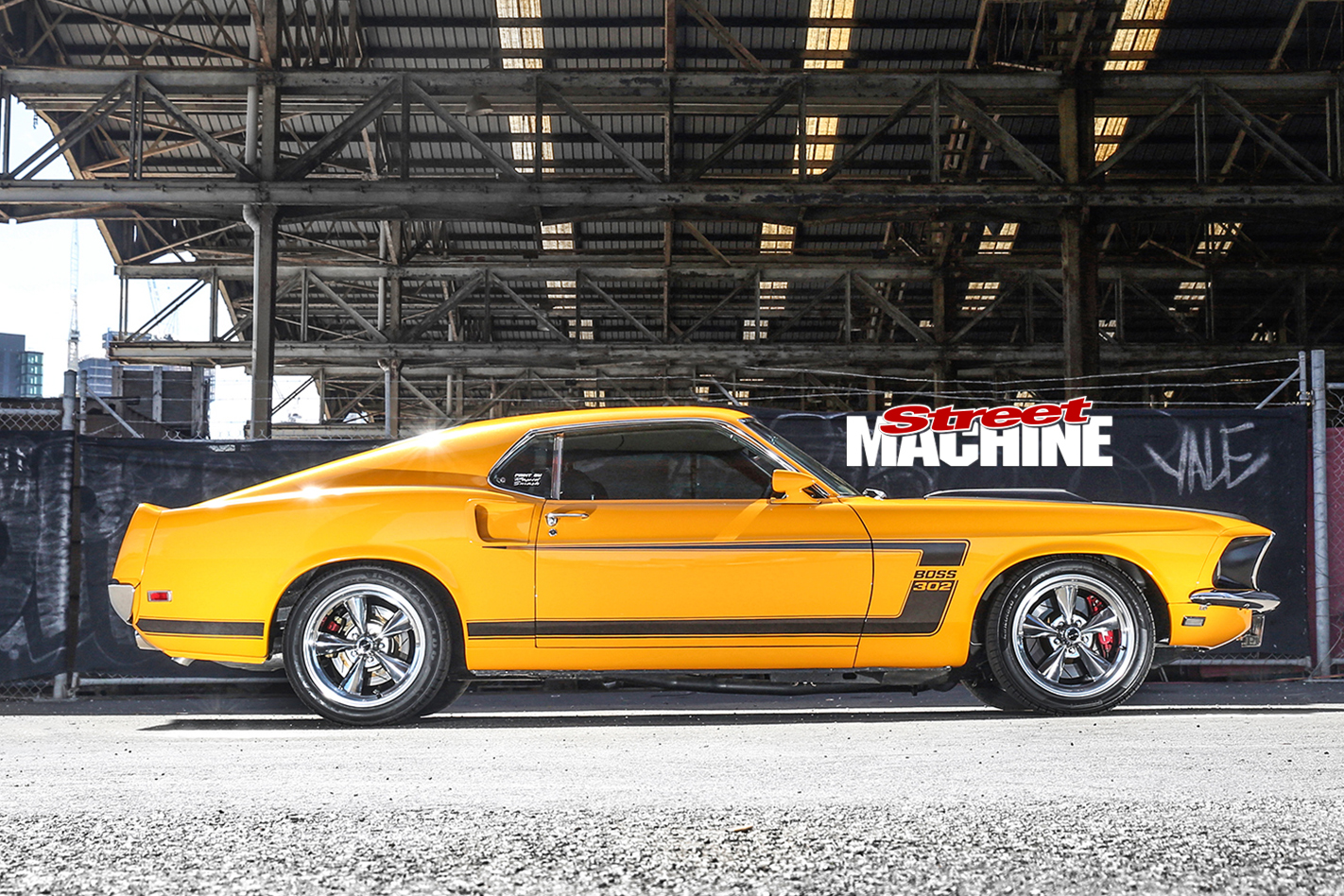 Ford -Mustang -BOSS-side -view