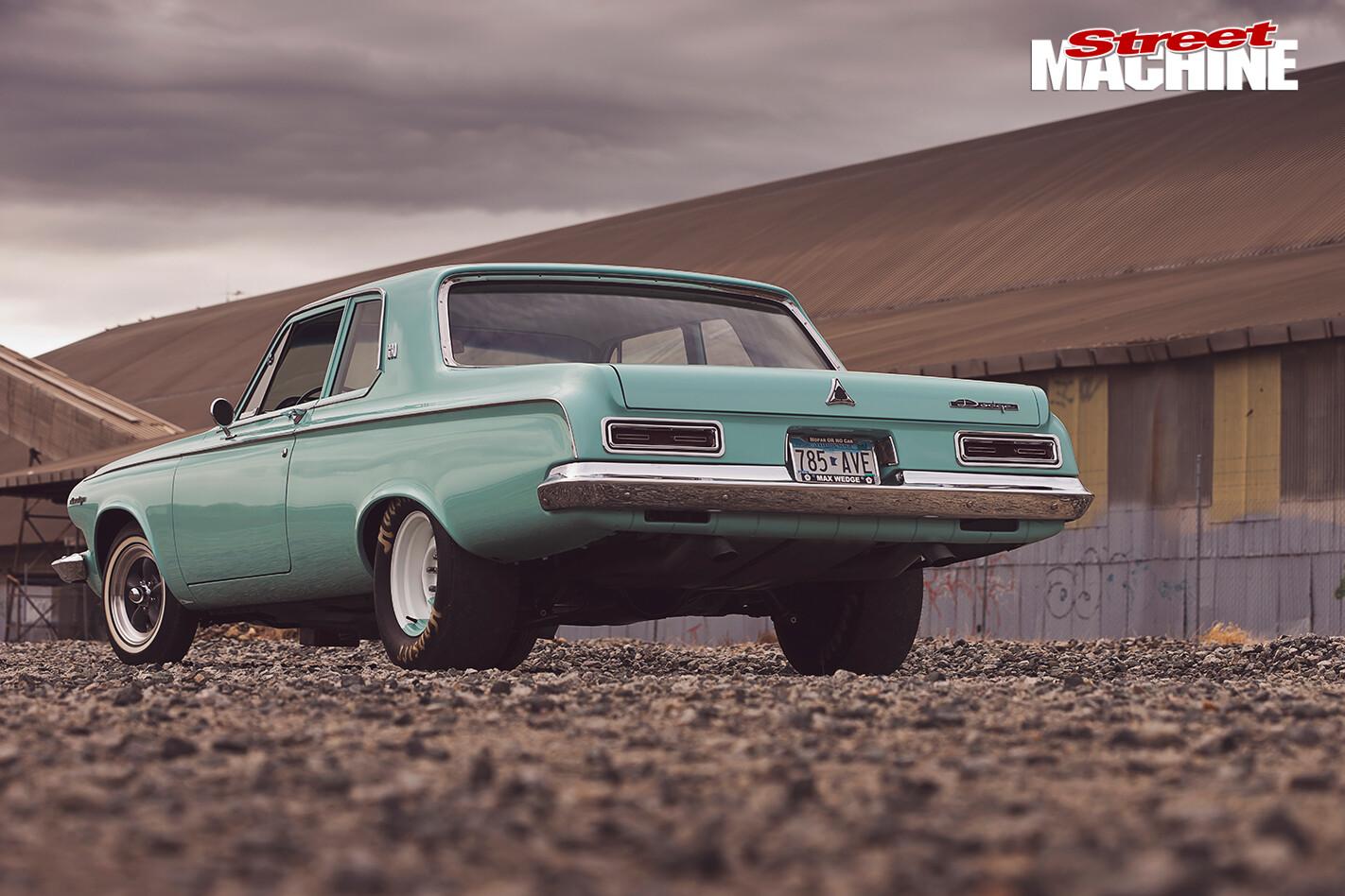 Dodge -Polara -330-rear