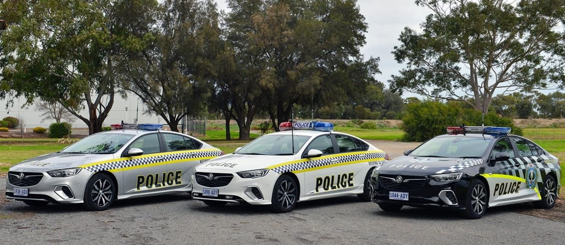 ZB Holden Commodore Trialled As SA Police Car Jpg