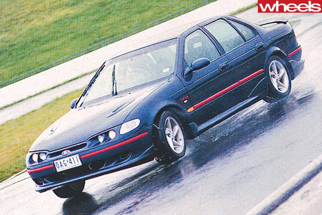 Ford -XR8-driving -front -side