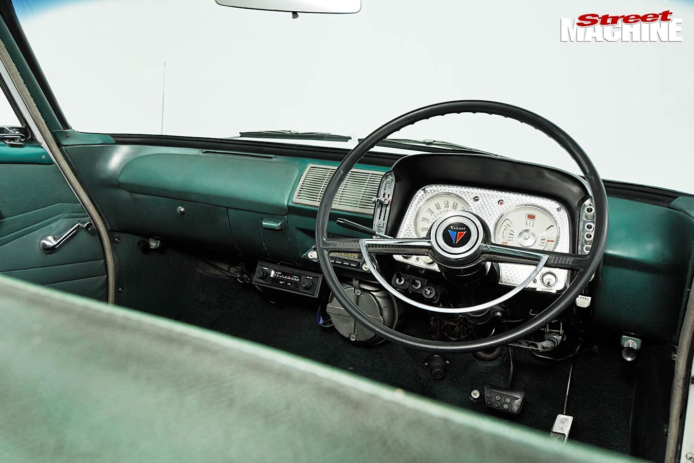 Chrysler Valiant dash