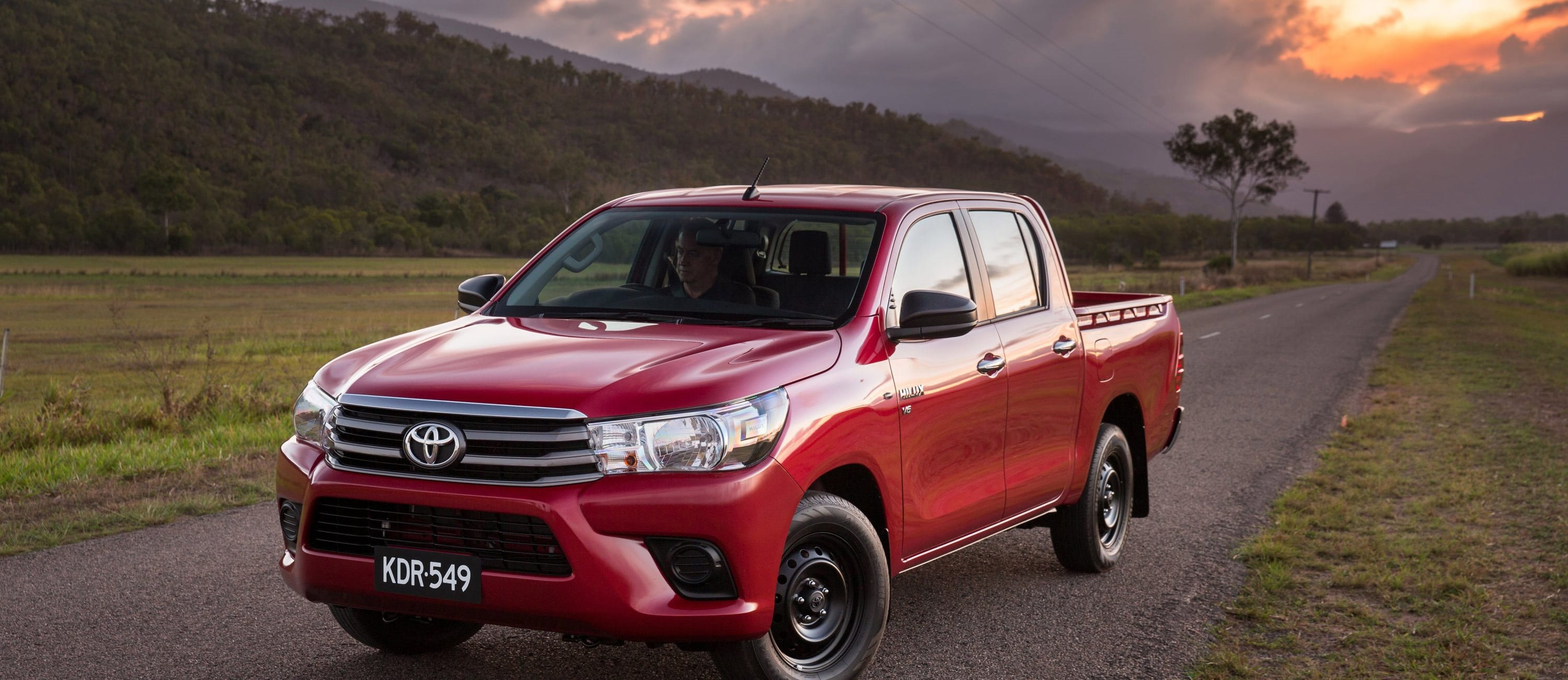 2016 Toyota Hilux Front Static Jpg