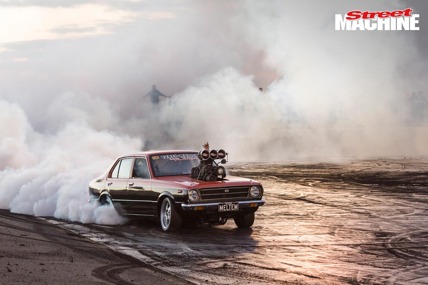 V8 Corolla Burnout MELTEM