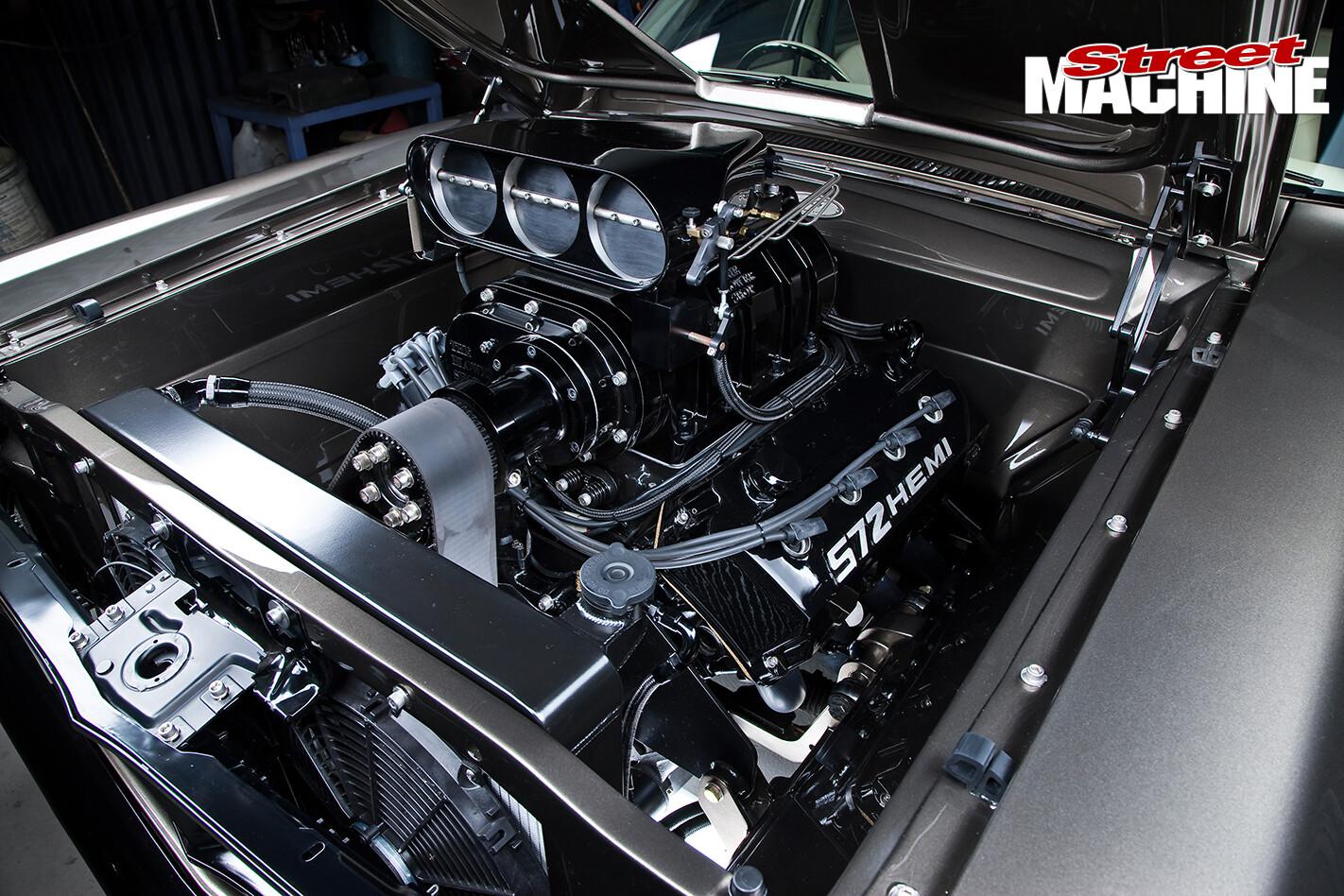 Ford -XY-Falcon -engine