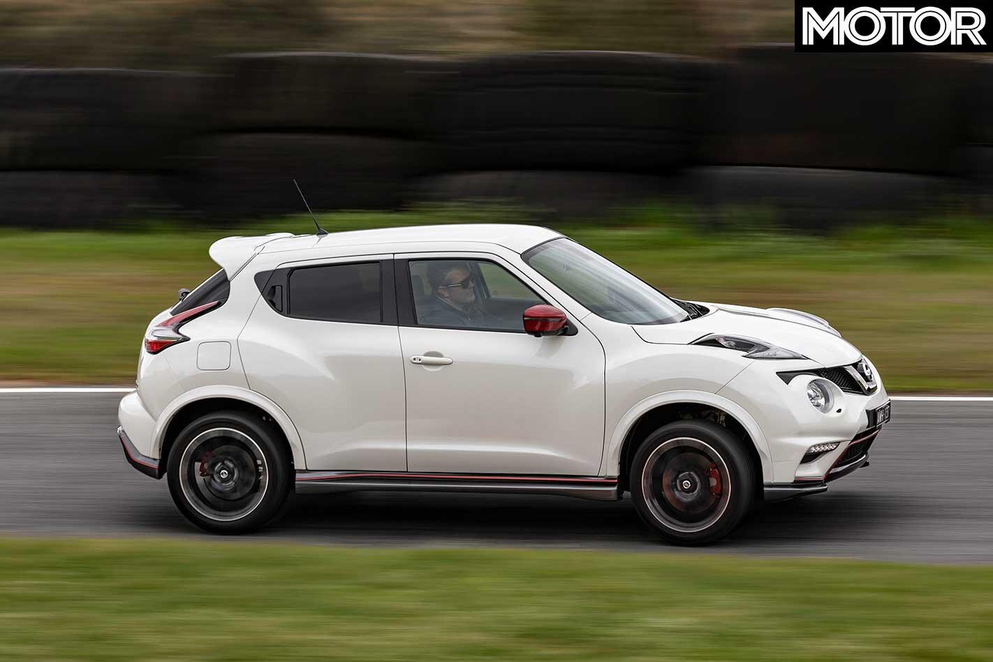 2018 Nissan Juke Nismo RS Side Profile Dynamic Jpg