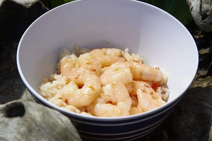 Bush cooking with Roothy: Sweet Chilli Coconut Prawn