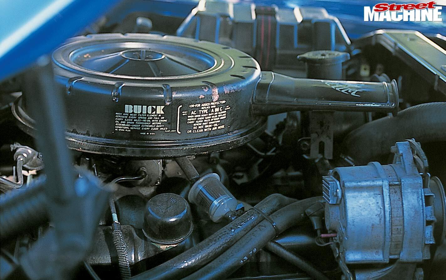 Buick Le Sabre engine bay