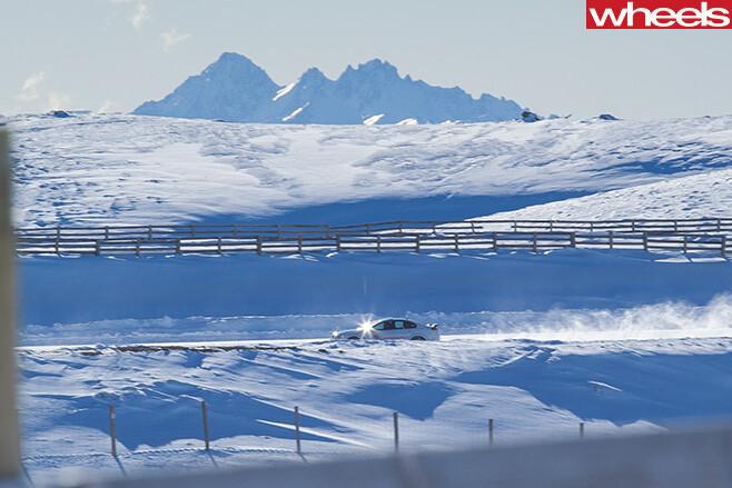 Cardrona -snow -fields -new -zealand