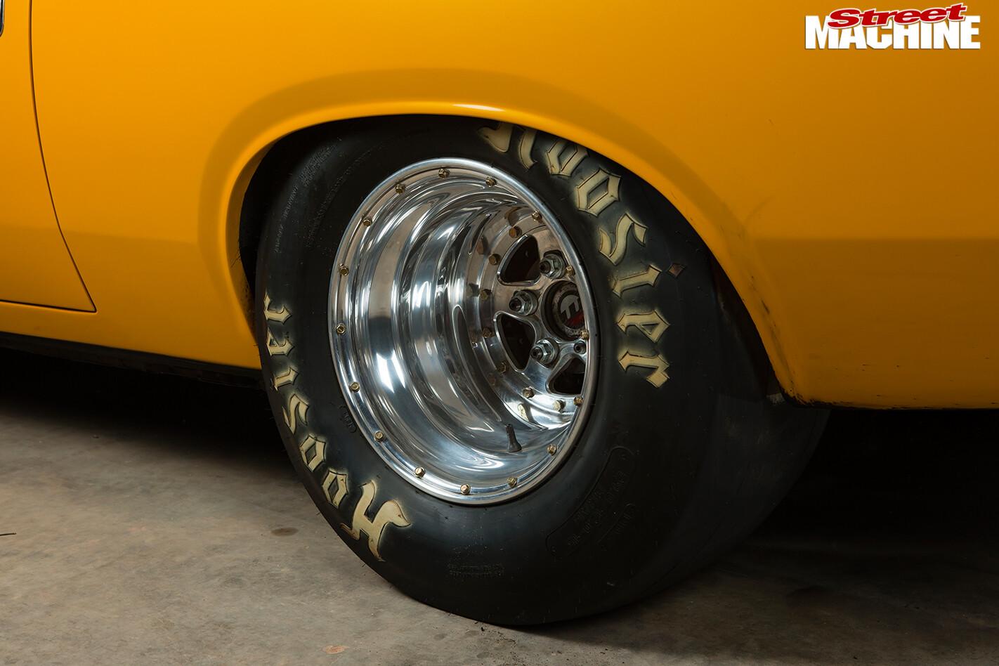 Chrysler -valiant -e 55-charger -wheel