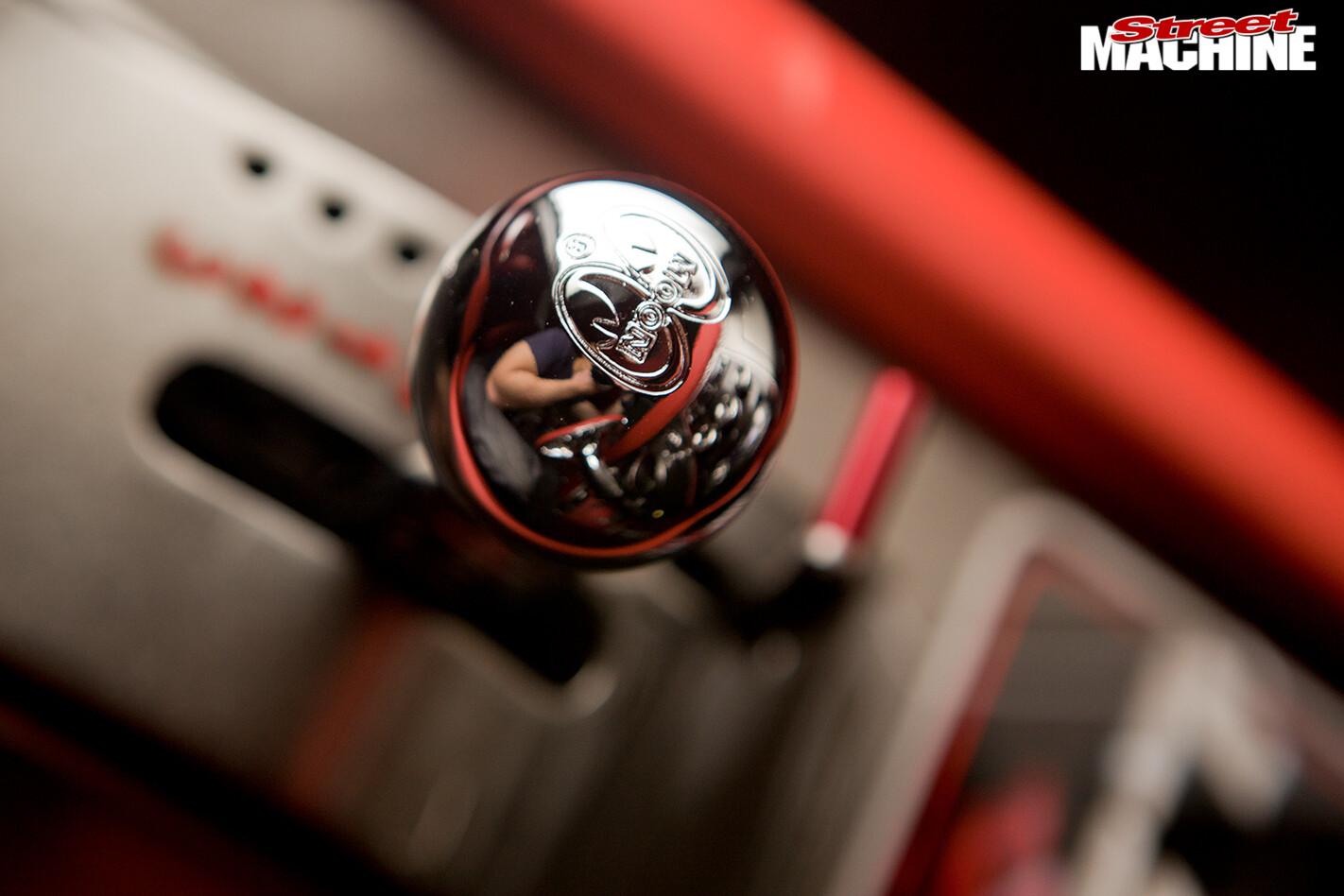 Chevrolet -camaro -gearstick