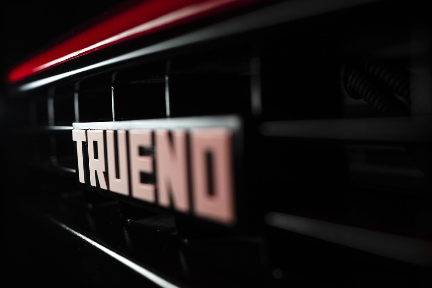 Toyota AE86 Trueno badge