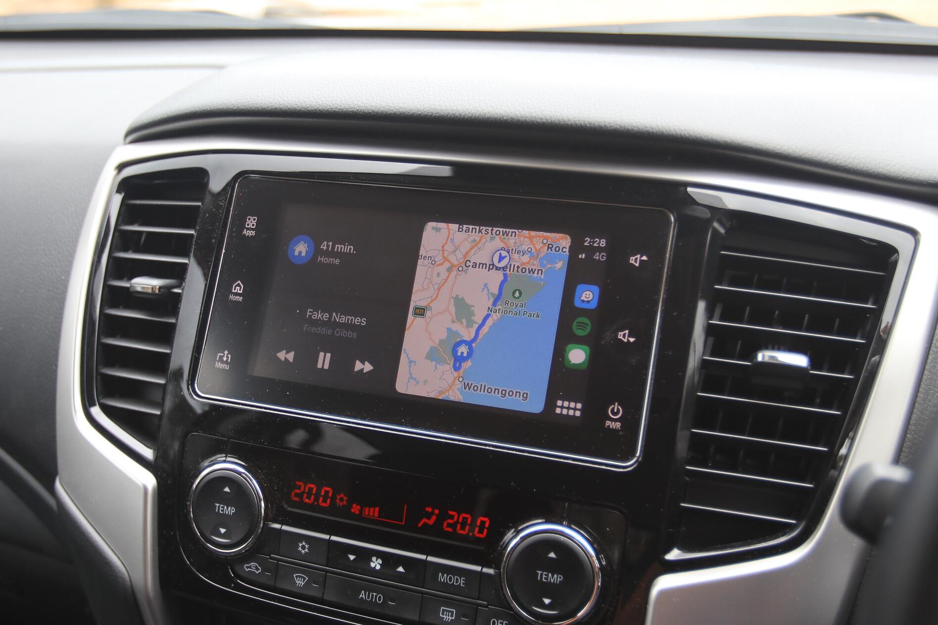 Mitsubishi Triton GLS Apple CarPlay