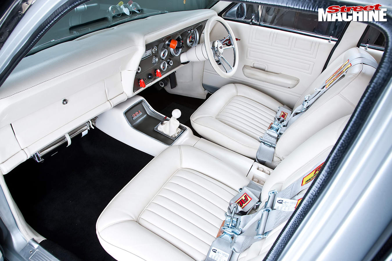 Ford Falcon XW front seats