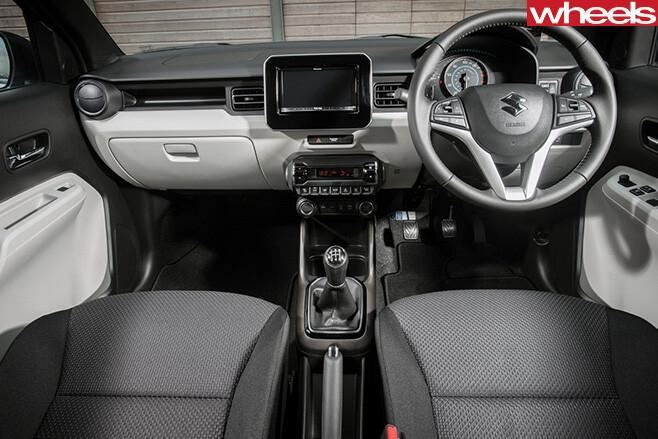 2016-Suzuki -Ignis -interior