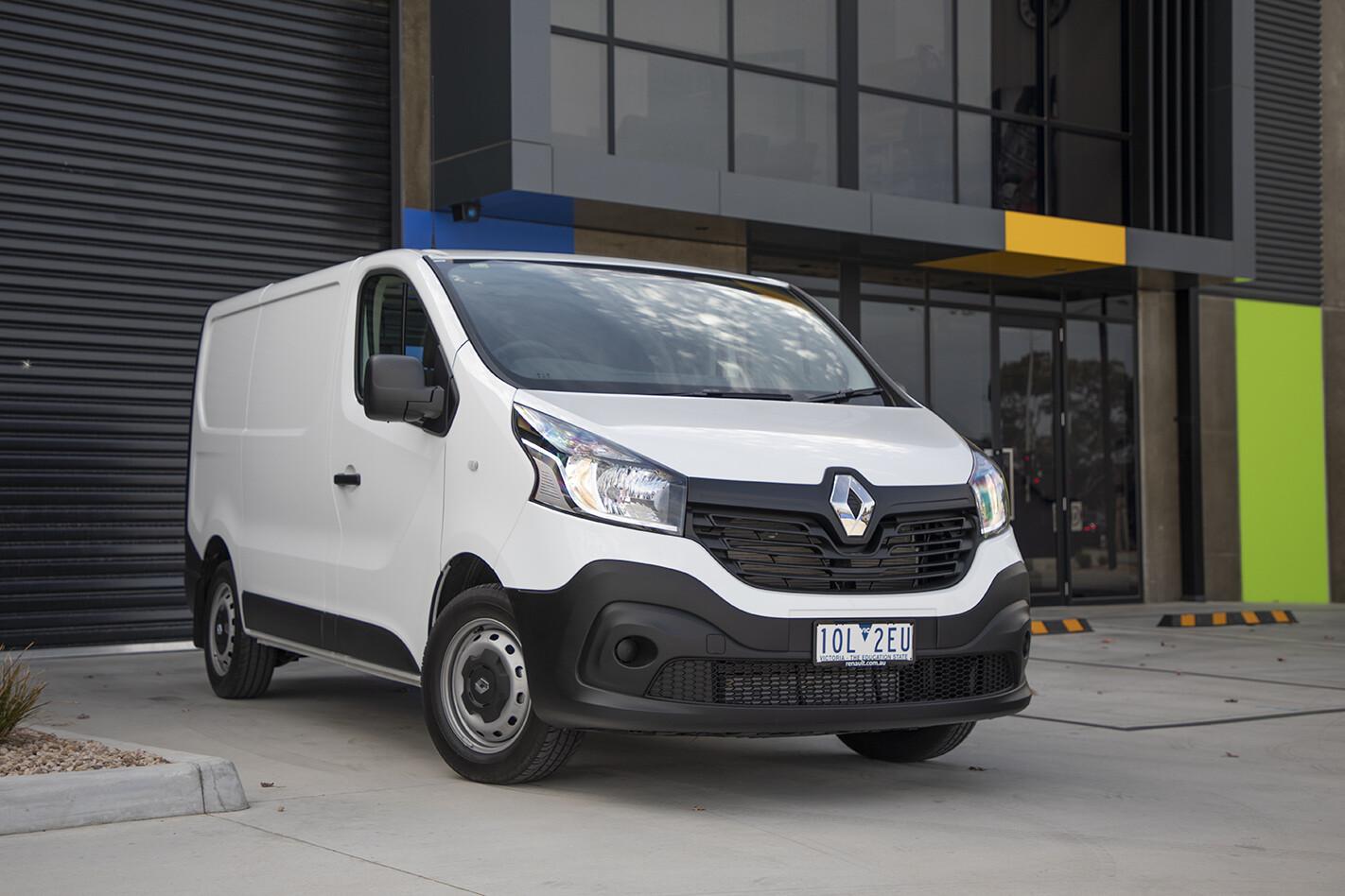 2019 Renault Trafic Traderlife Review Front Side Static Jpg