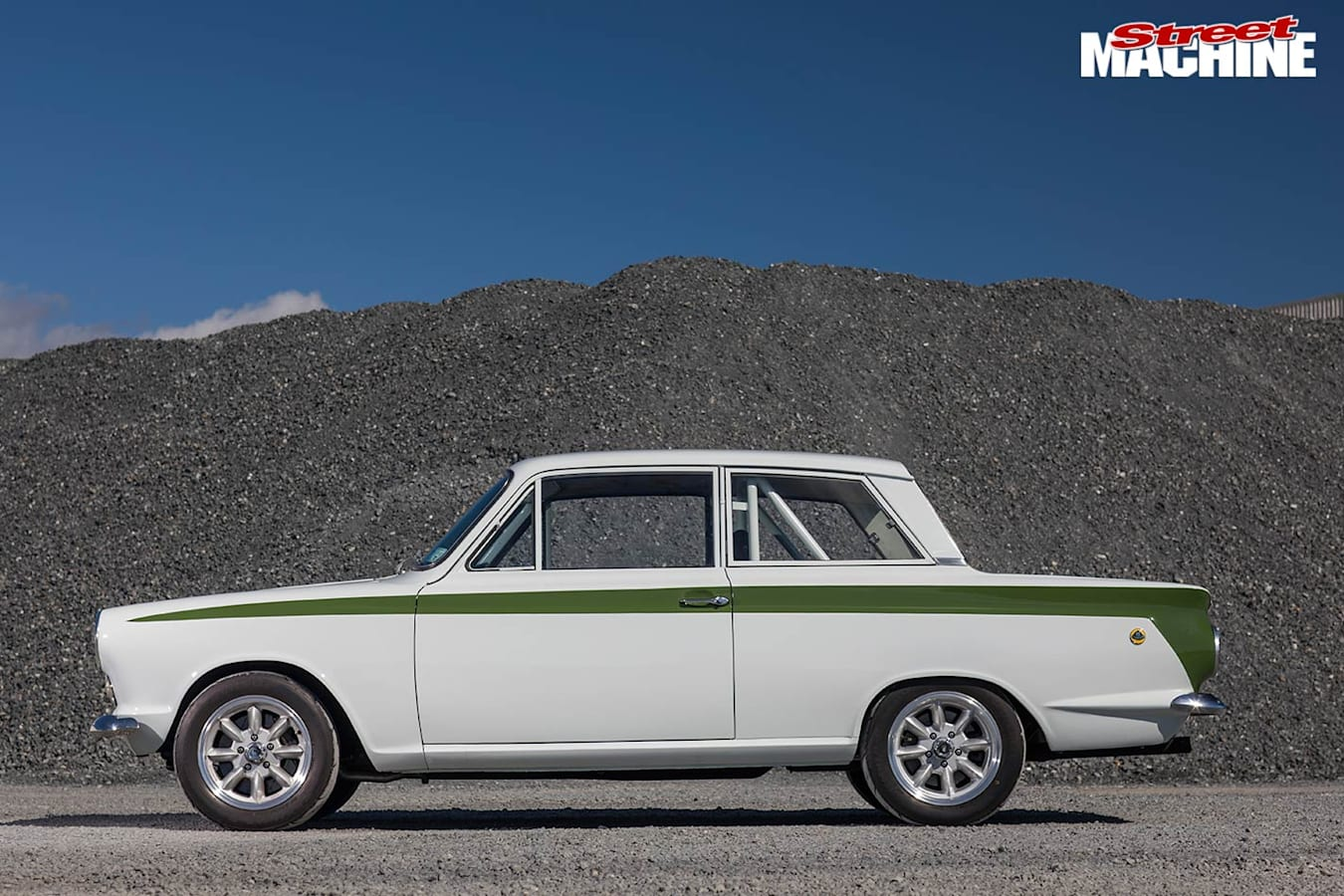Ford Cortina side