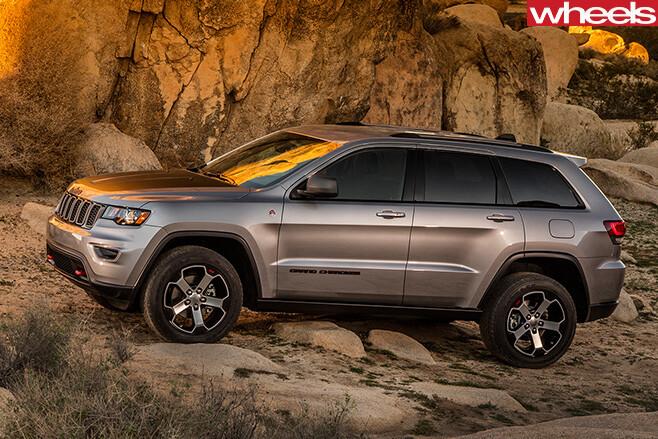 Jeep -Grand -Cherokee -Trailhawk -side