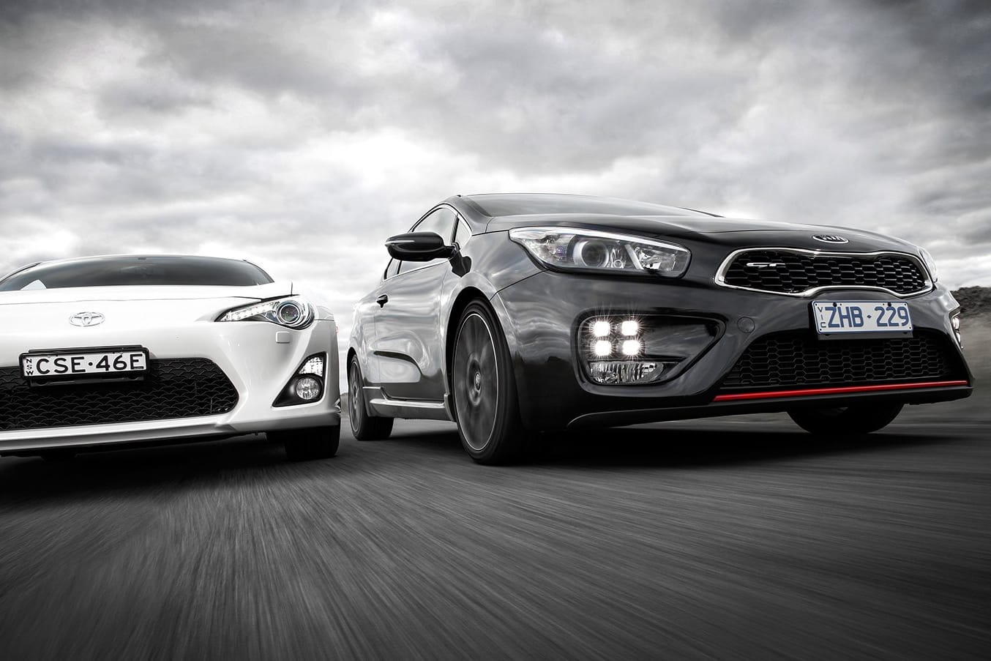 Kia ProCeed GT vs Toyota 86 GTS