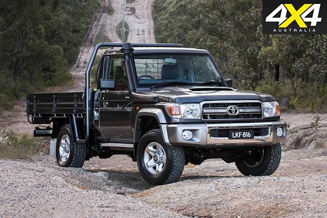 Toyota LandCruiser 70 Series front