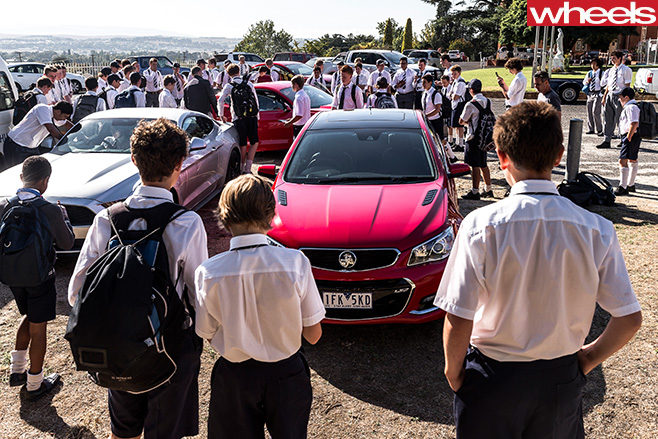 Holden -Commodore -SS-V-in -front -f -Crowd