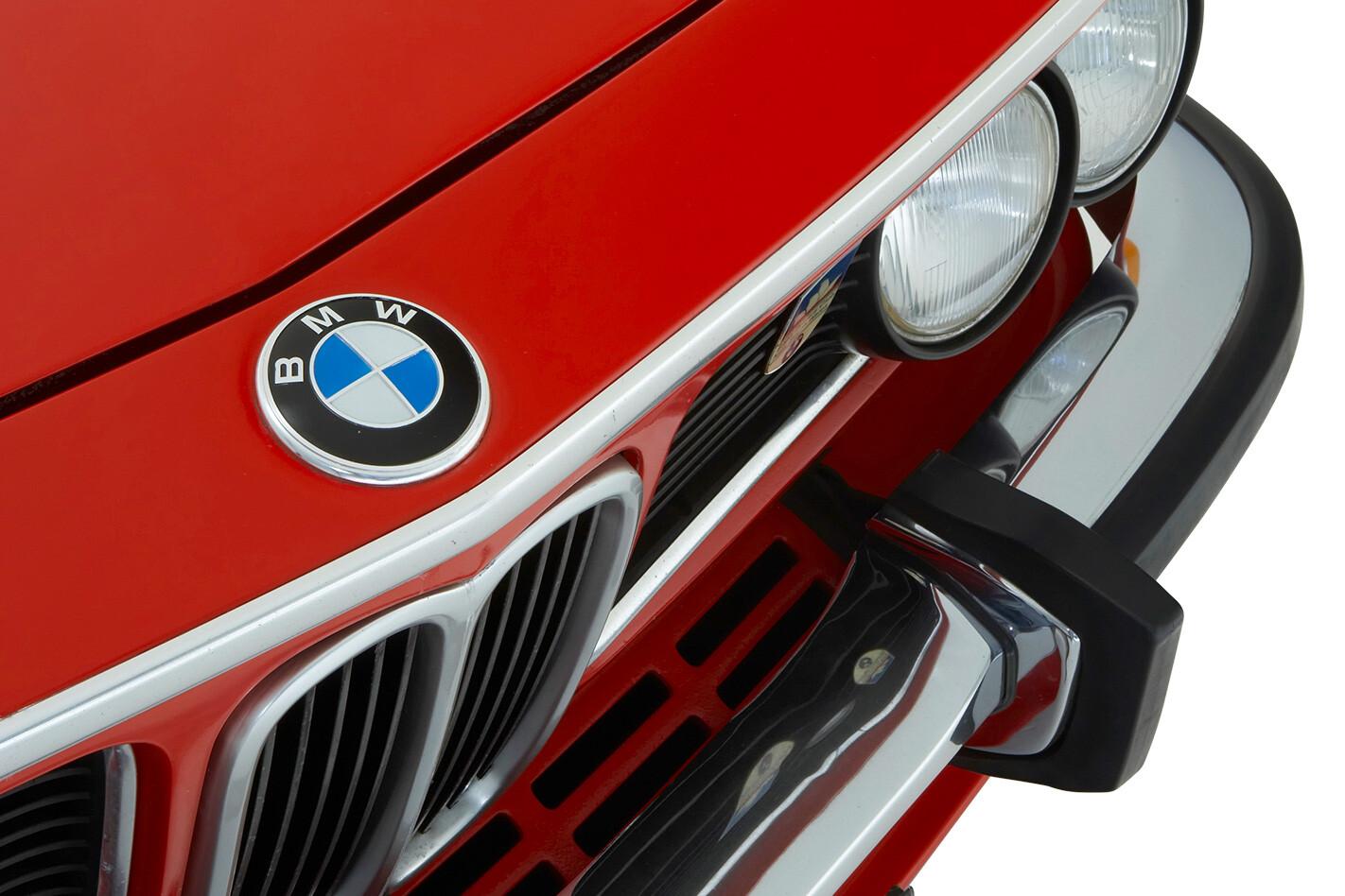 1973-BMW-CSL-badge.jpg