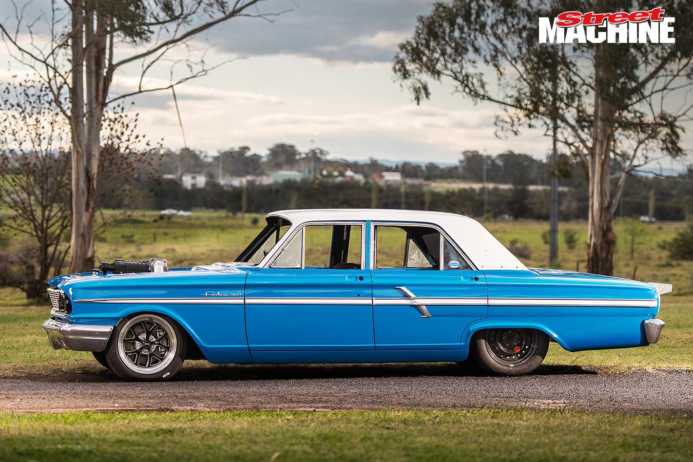 Ford Compact Fairlane V8 6