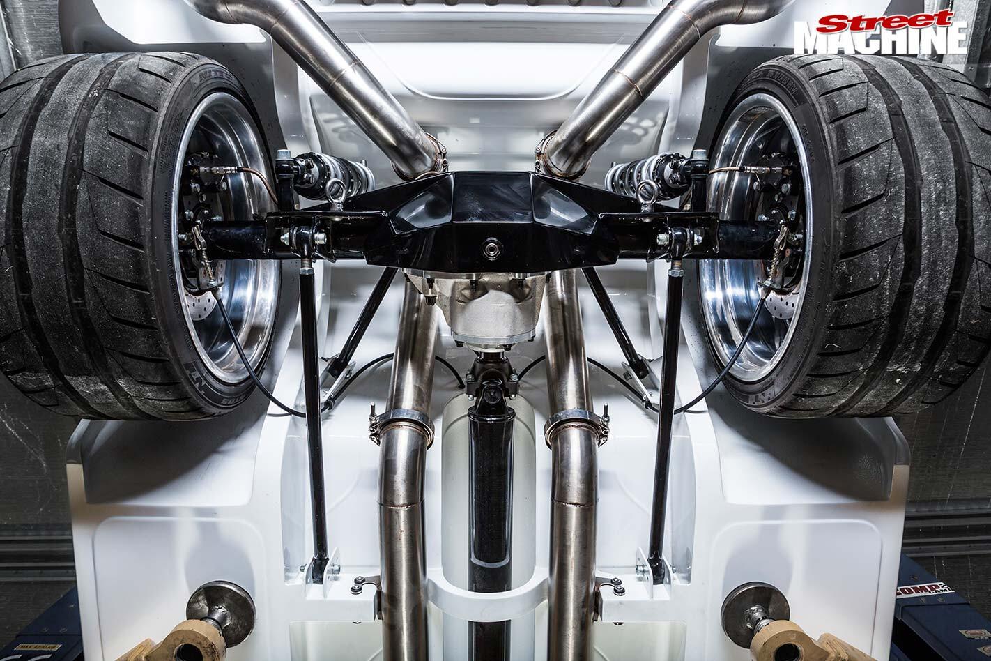 Chrysler VG Valiant underside