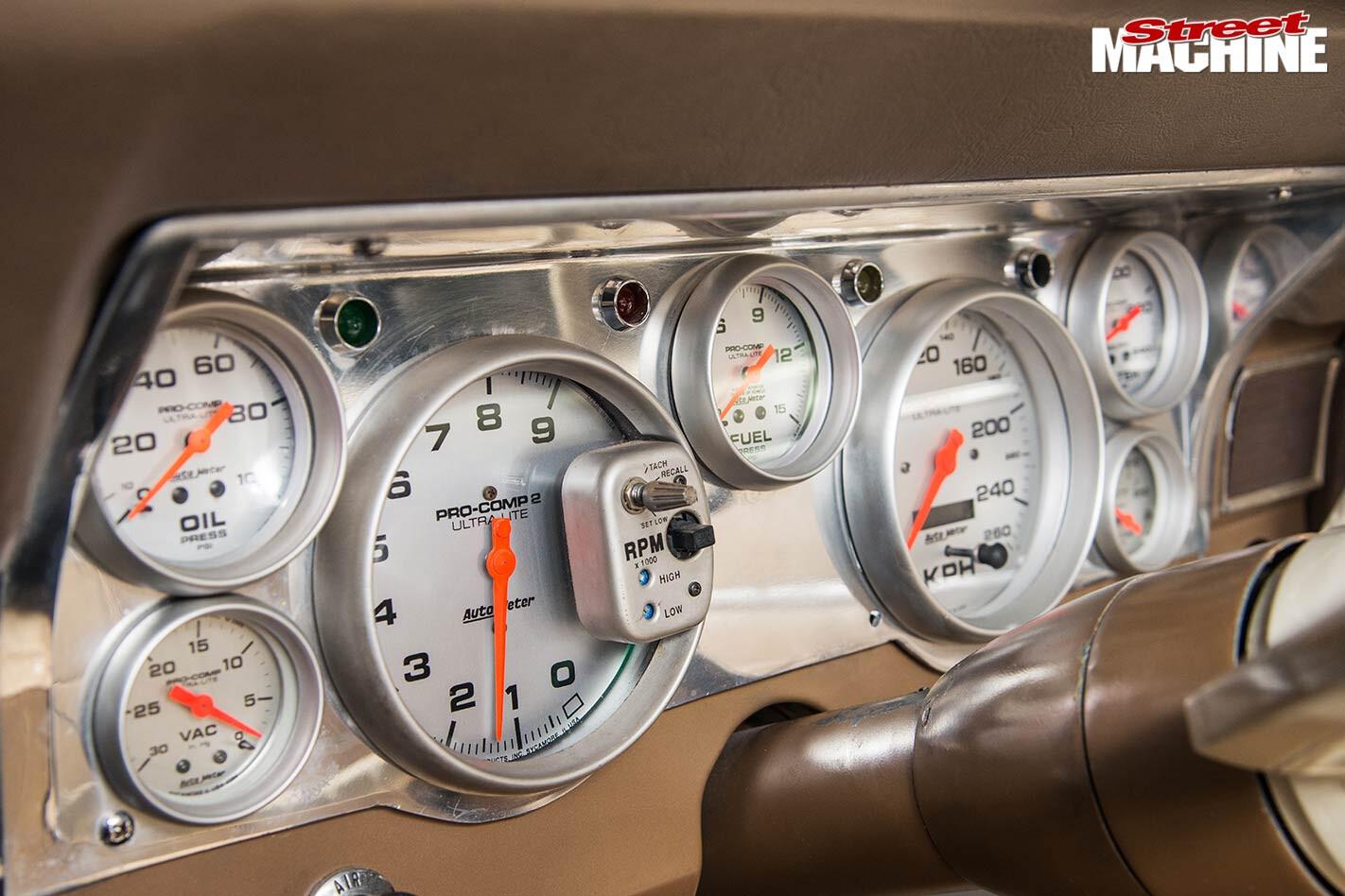 Ford XR Fairmont dash