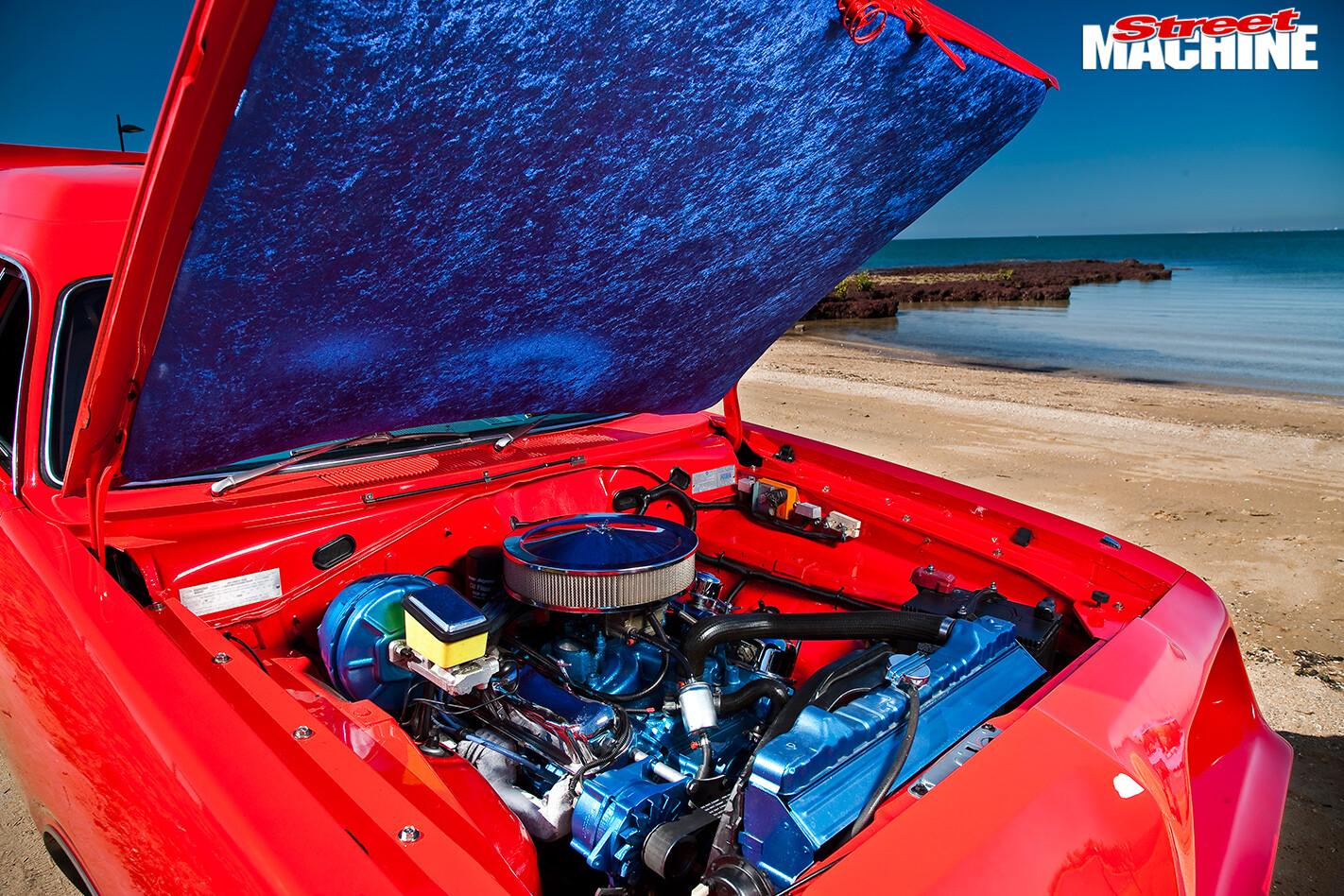 Chrysler -panel -van -engine -bay -2