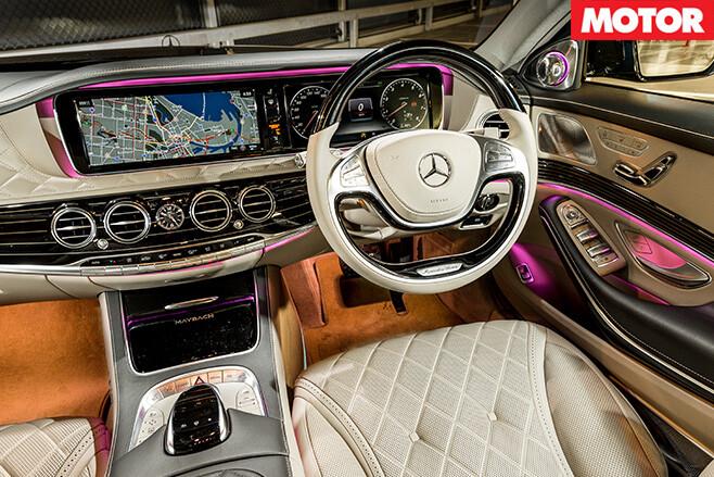 Mercedes -Maybach -S600-dashboard