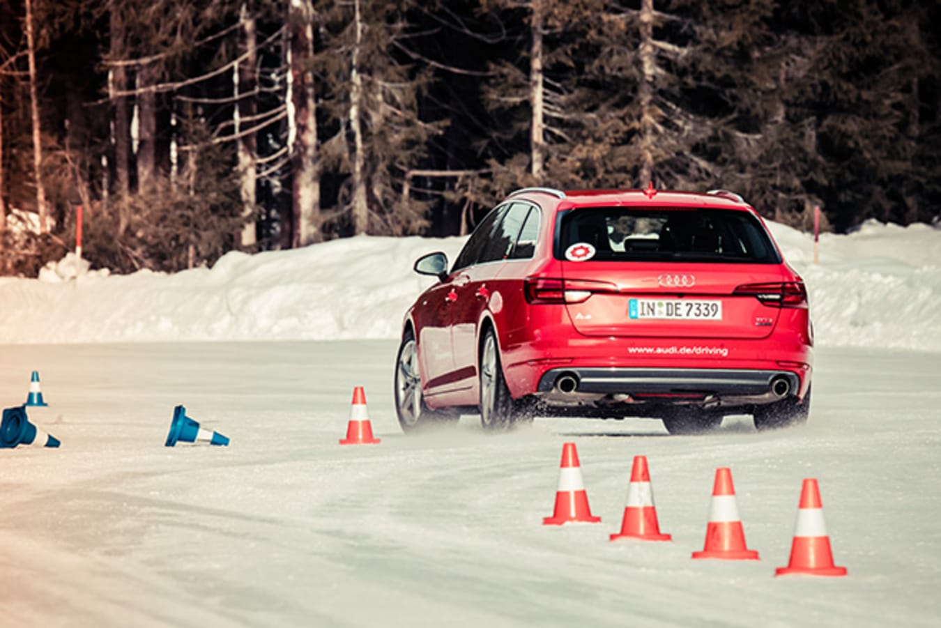 Audi Driving Experience - driving ice