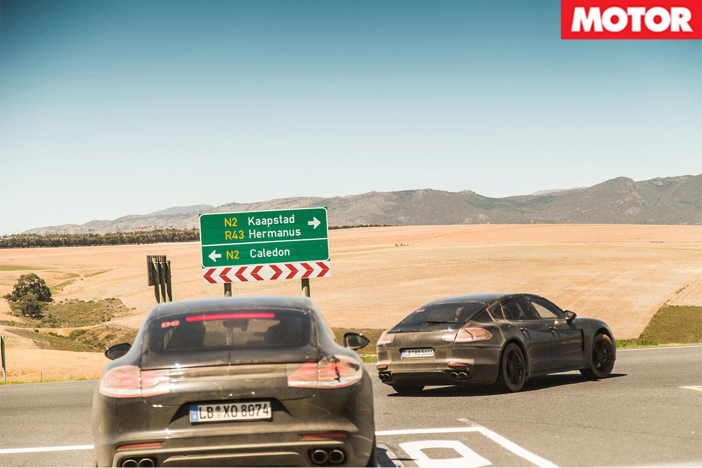 2017-Porsche -Panamera -rear