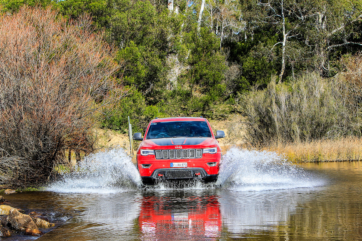 Jeep Grand Cherokee Trailhawk water
