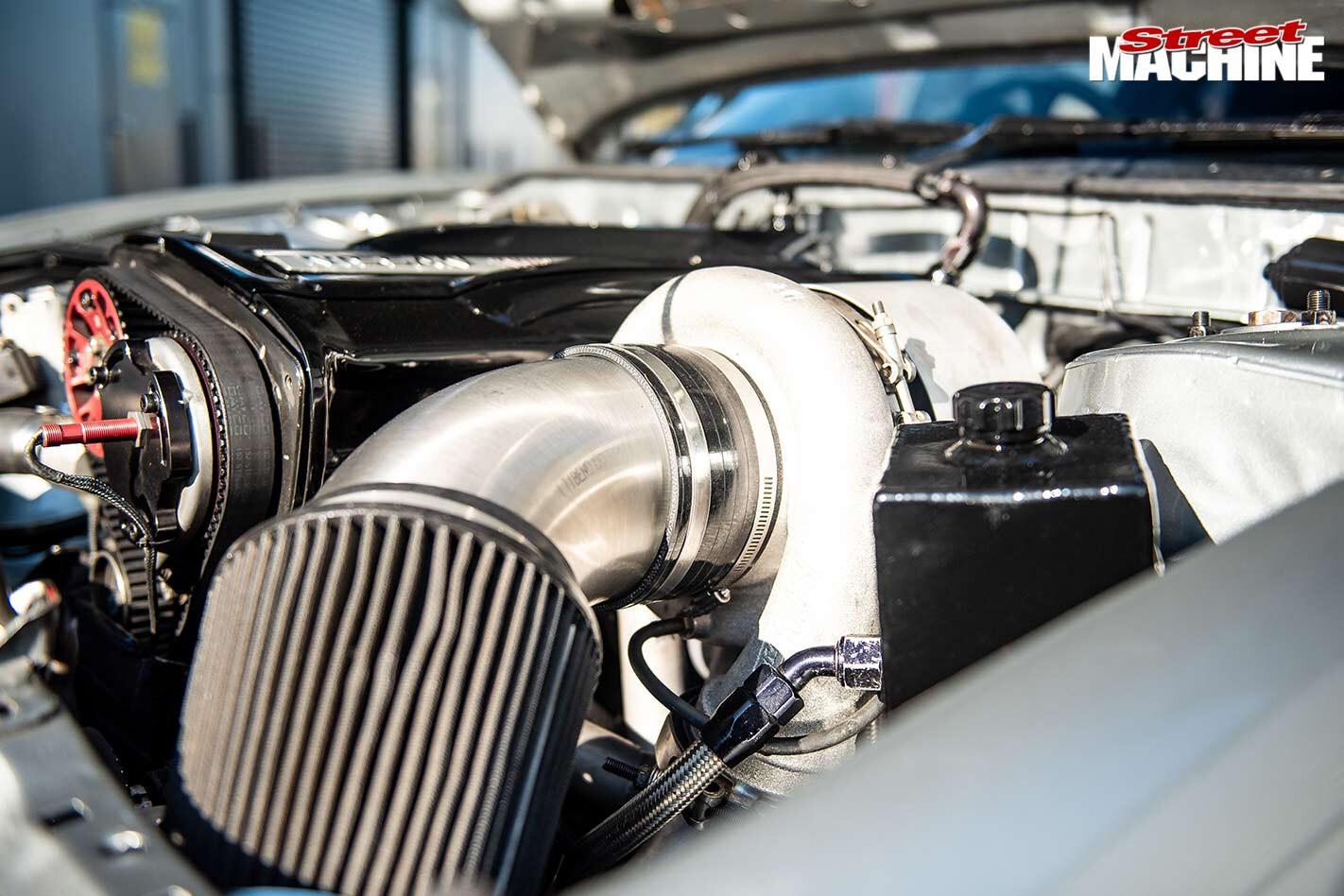 NIssan Silvia engine bay