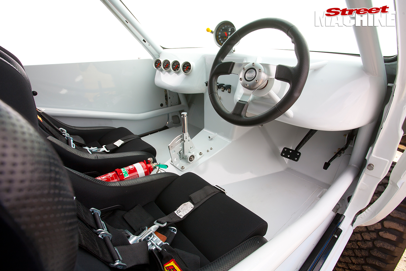 Toyota -Hilux -interior -front