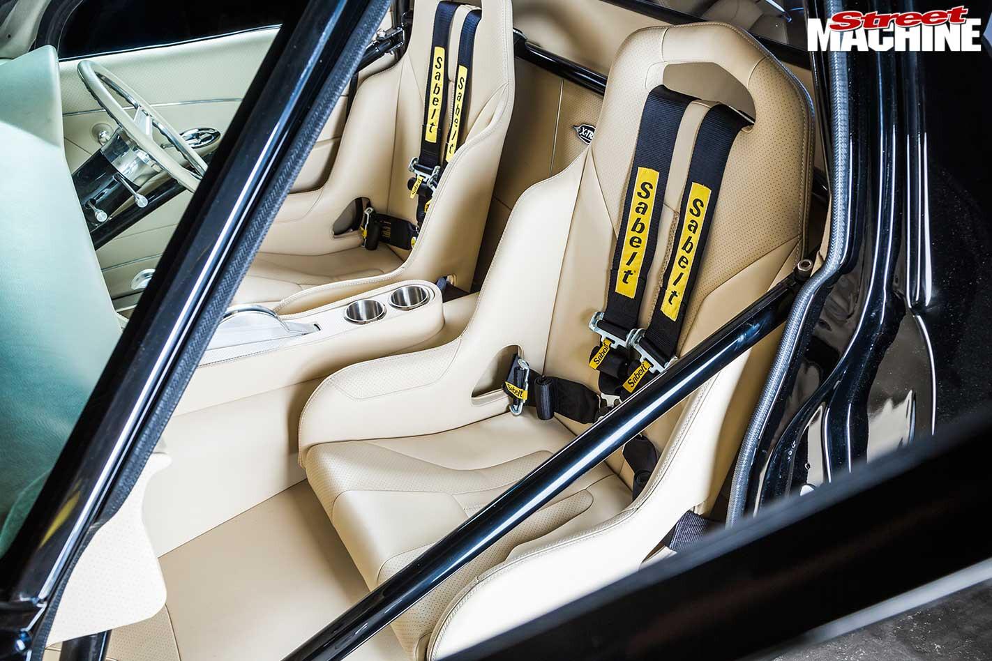 Holden HQ ute seats