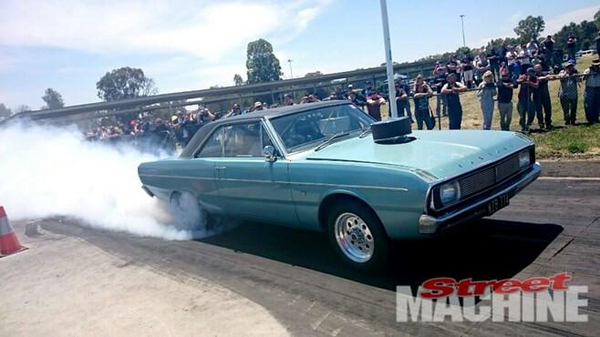 Chrysler Valiant Burnout