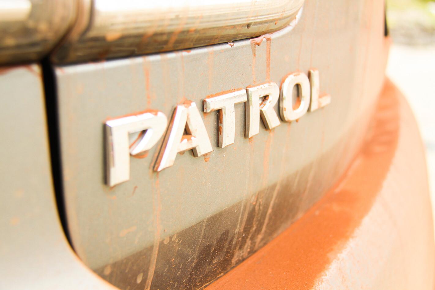 2017 Nissan Patrol Y62 badge.jpg