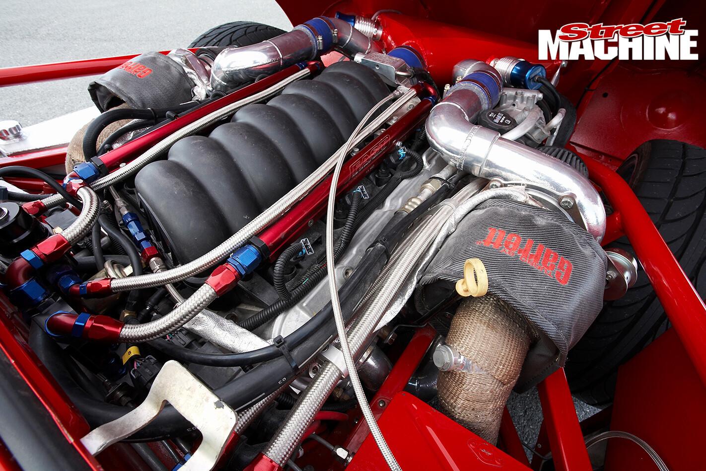 E-type -Jaguar -engine -detail 06