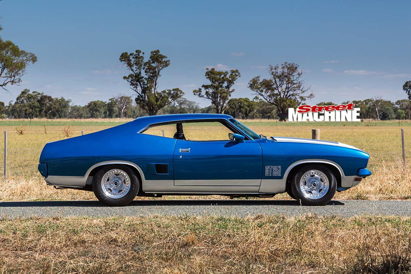 Ford Falcon XB side