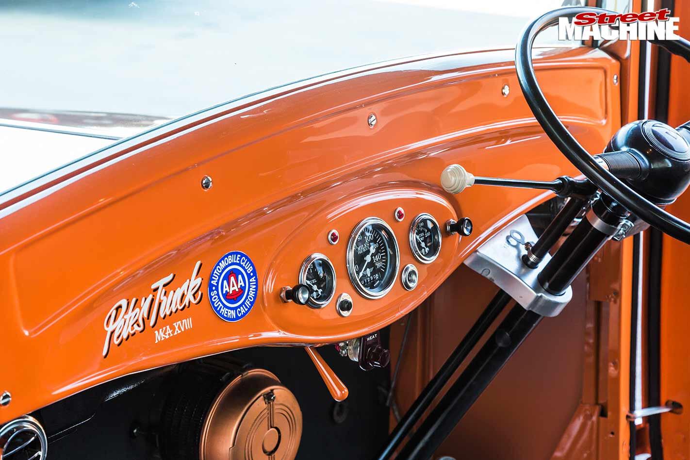 1932 Ford pickup dash