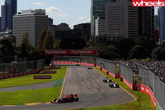 F1-Melbourne -driving