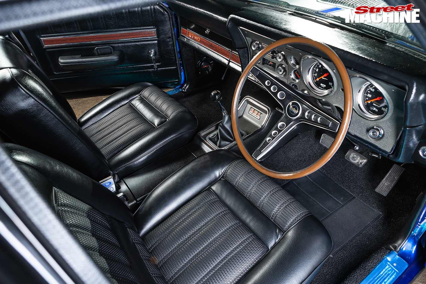Ford XY Falcon interior