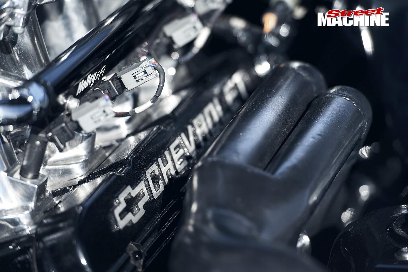 Lexus -IS200-engine -2
