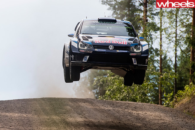 Volkswagen -Polo -R-jumping