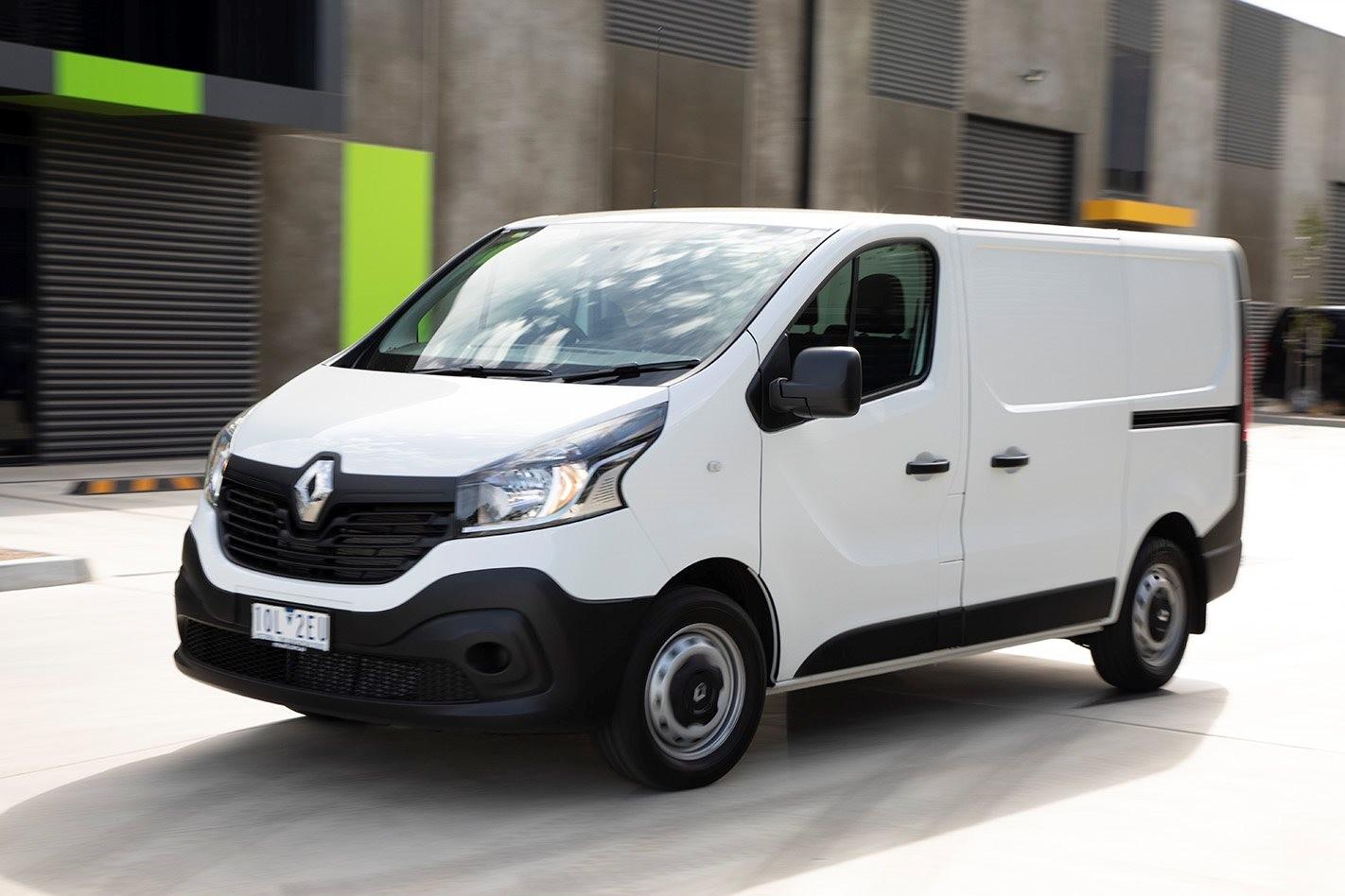 2019 Renault Trafic Traderlife Review Front Side Action Jpg