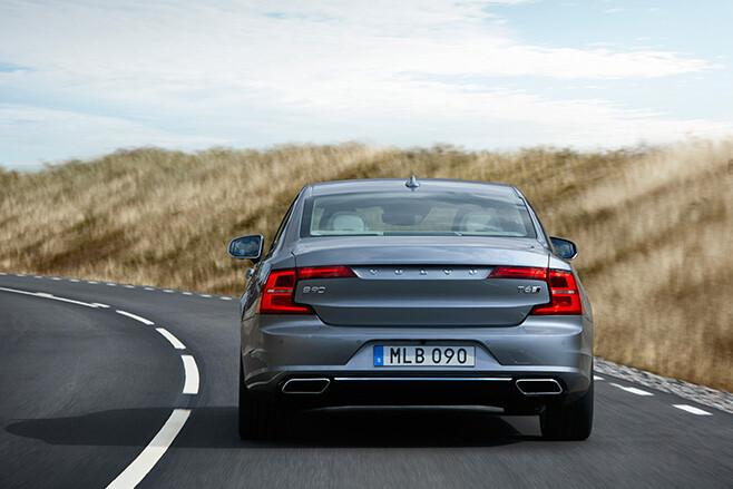 Volvo S90 rear