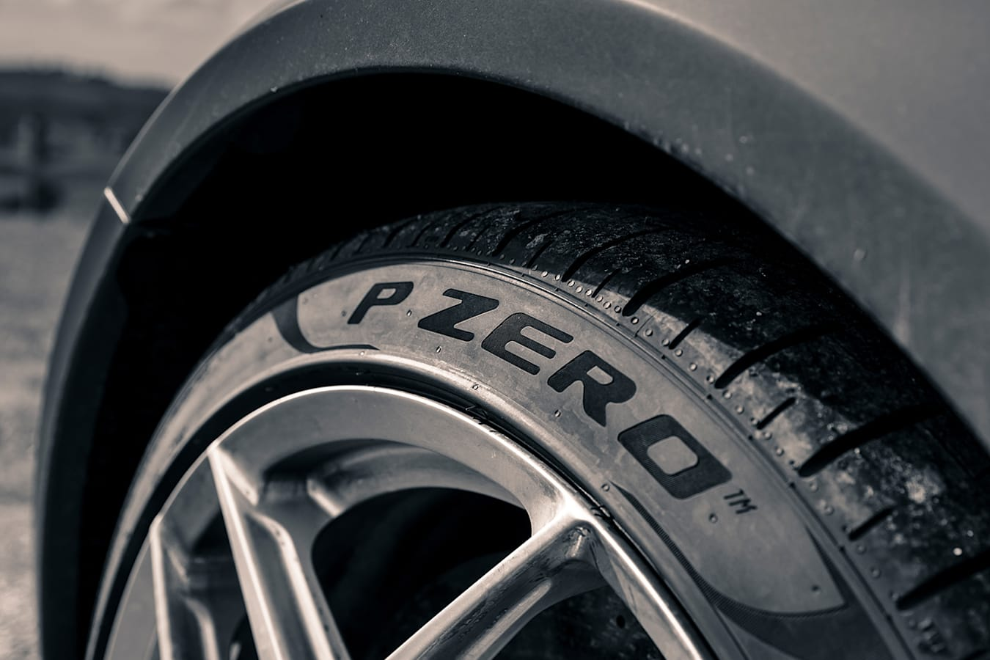 Ferrari 812 Superfast Pirelli Jpg