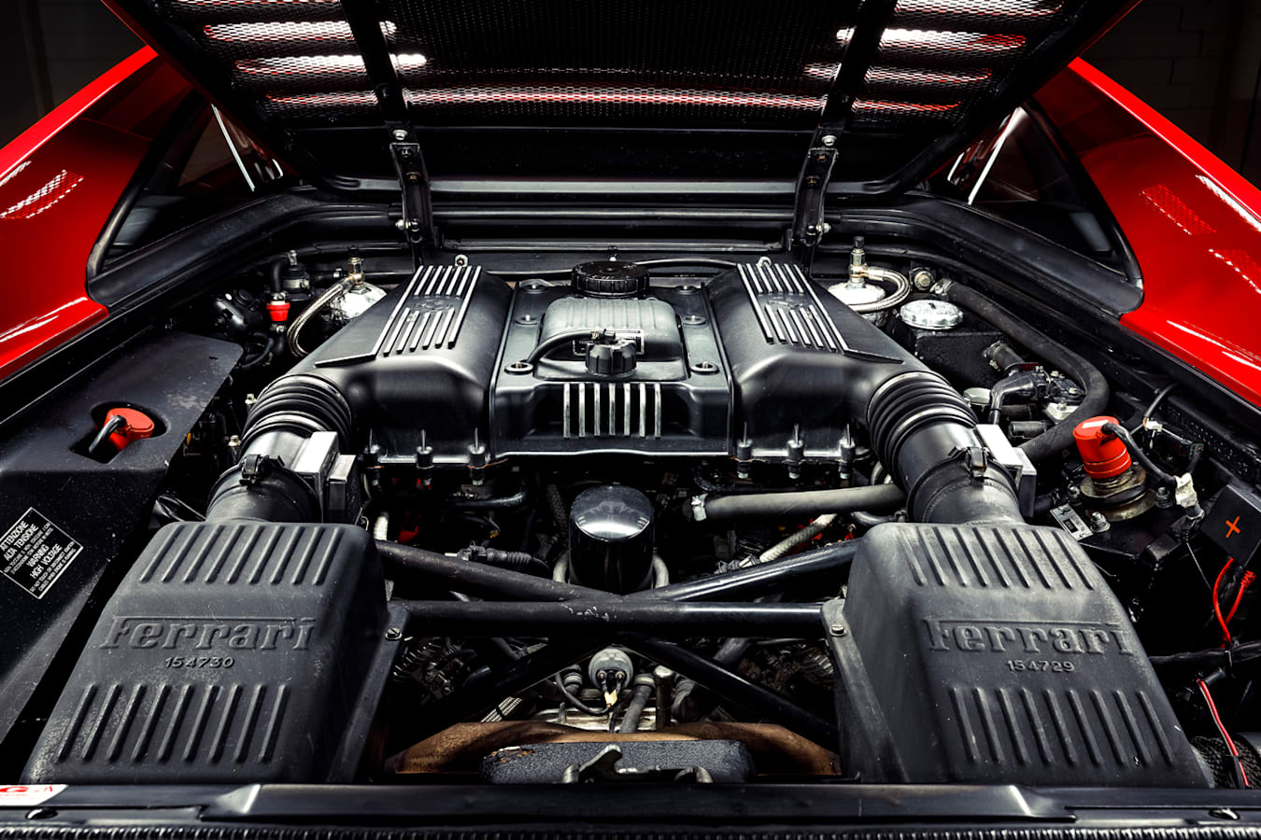 Ferrari F355 V8